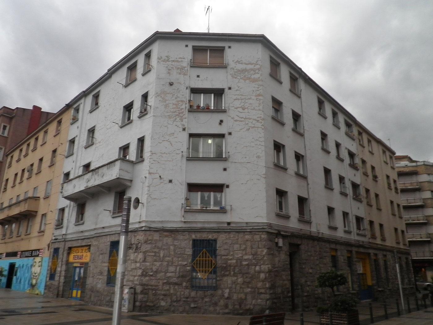 Reforma fachada exterior vitoria gasteiz alava antes