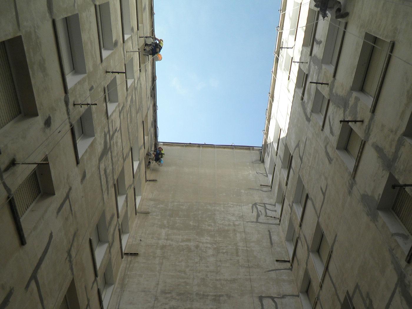 Reforma patio interior edificio vitoria antes